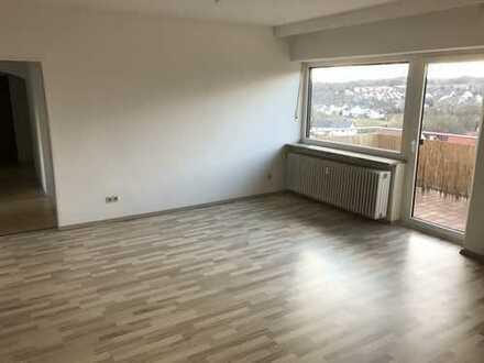 Schöne und lichtdurchflutete 3,5 Zimmer Wohnung mit Ausblick in Neustadt a.d.W.