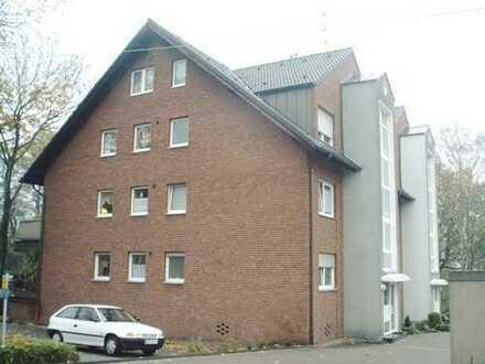 Schöne 2,5 Raum-Wohnung mit Balkon