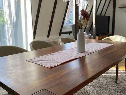 Befristet auf 2 Jahre zu vermieten: renovierte Maisonettewohnung, 3,5 Zi, kl. Balkon in Karlsruhe