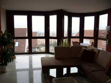 Neuwertige 2-Zimmer-Maisonette-Wohnung mit Einbauküche in Neusäß