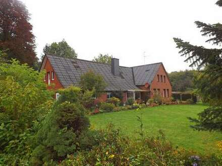 Großzügiges Wohnhaus mit Nebengebäuden in Gartherfeld zu verkaufen