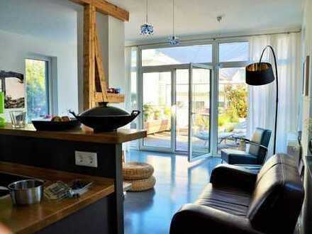 Loft Komfort Wohnung mit goldener Aussicht