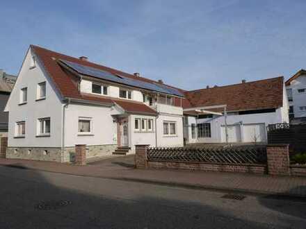 Solides 1-2 FH mit zzgl. Aus- Neubauoptionen für weitere 3-4 Wohneinheiten, Durmersheim Nähe Bahnhof
