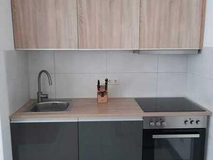 Stilvolle, modernisierte 2-Zimmer-Wohnung mit Terrasse und Einbauküche in Au in der Hallertau