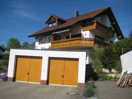 Gepflegte 3,5-Raum-DG-Wohnung mit Balkon und Einbauküche in Blumberg/Riedöschingen