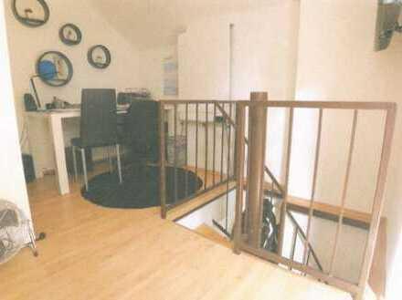 Gepflegte 2-Zimmer-DG-Wohnung mit Balkon in Worms