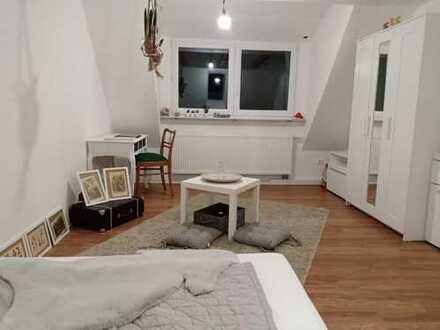 Nachmieter für frisch renoviertes, modernes Zimmer gesucht