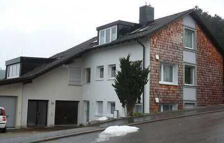 St. Georgen: helle 4 Zi.-OG-Wohnung in wärmegedämmtem Haus in ruhiger Lage zu vermieten
