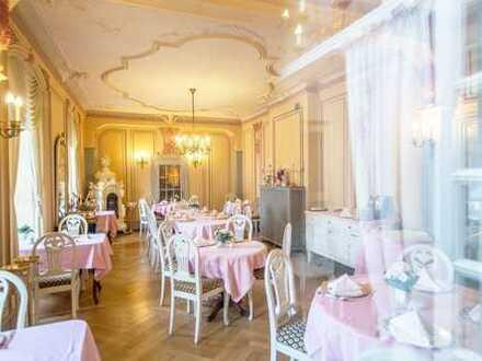Ehemaliges Jagdschloss am alten Hafen - seit 1850 als Hotel betrieben