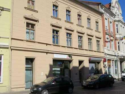 3-Raumwohnung mit Balkon, ruhig und zentral gelegen, zu vermieten!