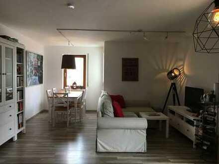 Helle 2-Zimmer-Wohnung mit Balkon und Einbauküche in Böblingen von privat