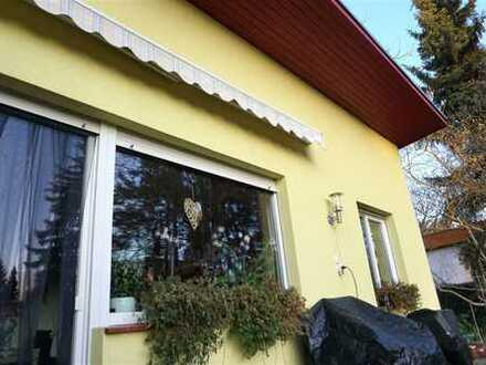 Bungalow/ Doppelhaushälfte voll unterkellert mit einer kleinen Baureserve in Berlin Kladow
