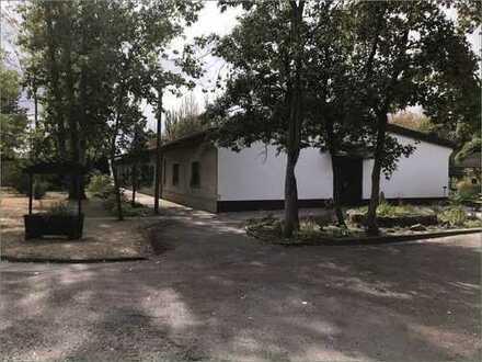 Betriebsgelände mit Büros und Werkstätten in Bitterfeld-Wolfen