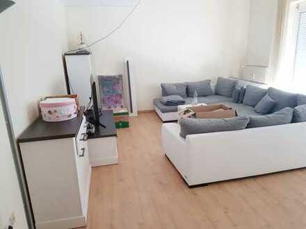 Moderne 4,5-Zimmer-Maisonett-Wohnung mit Dachterrasse, Galerie und Garagenstellplatz