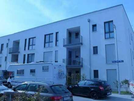 Exklusive, neuwertige 2-Zimmer-Wohnung mit Balkon und Dachterrasse in Aubing, München