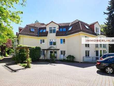 IMMOBERLIN: Lichterfelde-West: Neuwertige Wohnung mit ruhiger Südterrasse und Stellplatz
