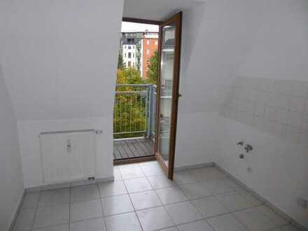 Hoch hinaus mit einer hübschen 2-Raum im DG mit Balkon!