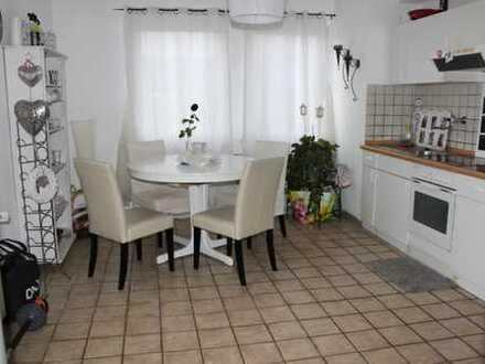 Helle 2-Raum-Wohnung + Wohnküche in Mülheim-Dümpten