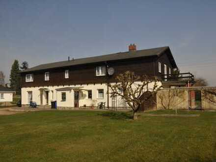 Mecklenburgisches Siedlerhaus mit viel Platz in Dorflage