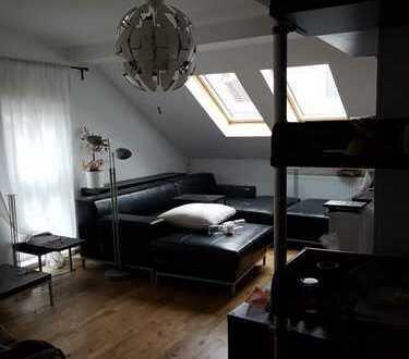 Möblierte 3-Zimmer-DG-Wohnung im östlichen Ringgebiet