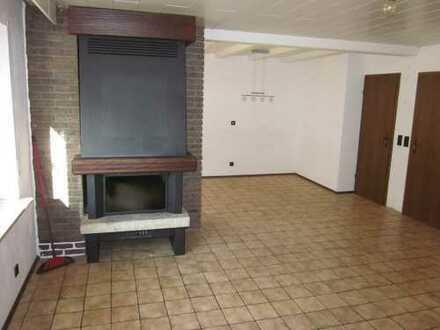**großzügige 3 1/2 -Zimmer-Wohnung mit offenem Kamin und Terrasse in zentraler Lage in Kämpfelbach**