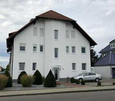 Schöne, geräumige Wohnung mit Balkon und Einbauküche in Waghäusel-Kirrlach