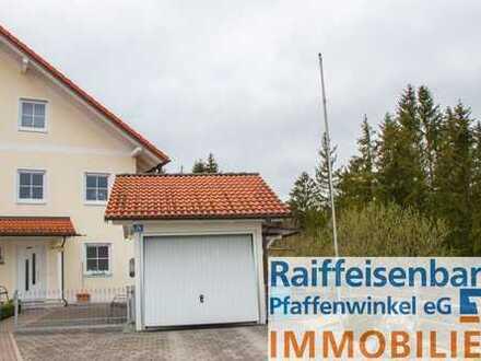 Faszinierende Doppelhaushälfte im Grünen!
