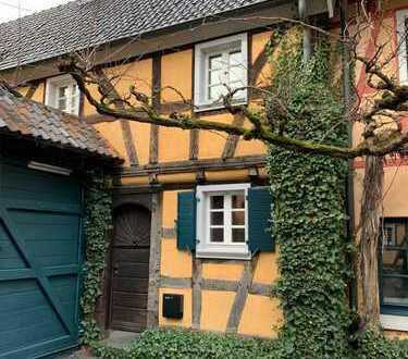 Zauberhaftes Fachwerkhaus in historischem Ensemble.