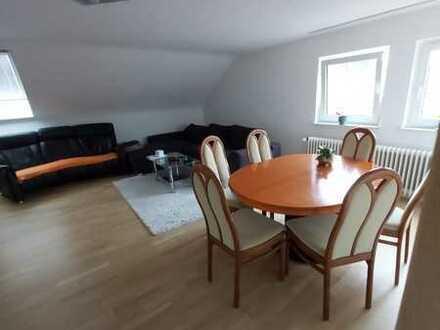 Ansprechende 2 1/2 -Zimmer-DG-Wohnung in Karlsruhe