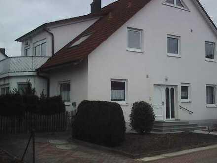 Gepflegte 3,5-Zimmer-Dachgeschosswohnung mit Balkon in Dietenhofen