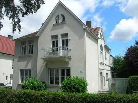 Sanierte Altbau-Wohnung mit Dachterrasse und Einbauküche in Rheine