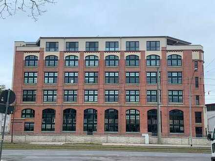 Großzügige Loftwohnung in zentraler Lage in Chemnitz zu vermieten.