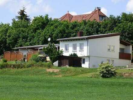 Großzügiges Haus und Einliegerwohnung mit traumhafter Aussicht