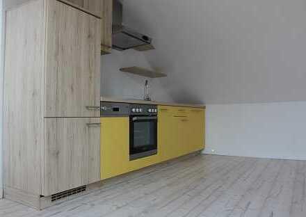1-Raum-DG-Wohnung zentral gelegen