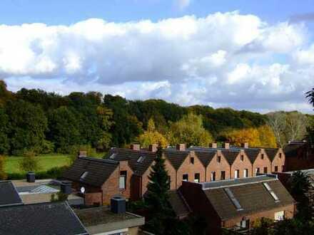 Helle 2 Zimmer Wohnung am Schloßpark in Urdenbach