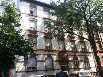 Gepflegte 4 Zimmer Altbau-Wohnung nähe Wilhelmsplatz - provisionsfrei
