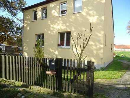 Haus mit Garten und Garage in Wolfsburg-Almke