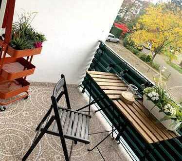 Zauberhafte, gepflegte Eigentumswohnung in Düsseldorf- Holthausen mit hübscher, kleiner Terrasse