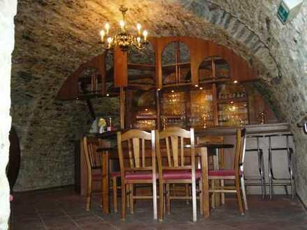 Herrliches Tonnengewölbe mit schönem Biergarten direkt an der Seckach