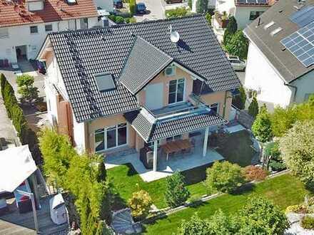 Luxuriöses Familienhaus mit Einliegerwohnung