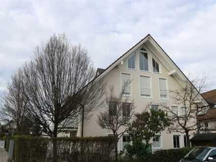 *provisionsfrei* Stilvolle, gepflegte 3-Zimmer-Maisonette-Wohnung mit Terrasse und Einbauküche