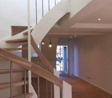 Juwel in der Altstadt: stilvolle 2-Zimmer-Maisonette-Wohnung mit Balkon