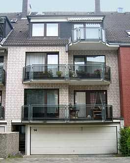 Sehr schöne 3 Zimmer Wohnung vollständig renoviert in Volmerswerth mit zwei Balkonen