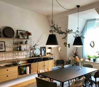 5-Zimmer-Maisonette-Wohnung mit Balkon und EBK im Lehel