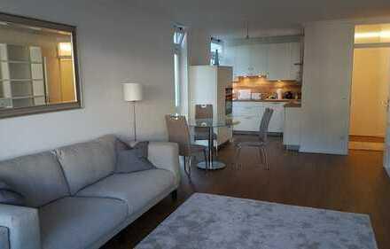 sonnige möblierte Wohnung in Bogenhausen