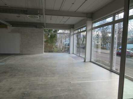 FR-Seepark, großer Laden/Büro/Praxis mit attraktiver Fensterfront