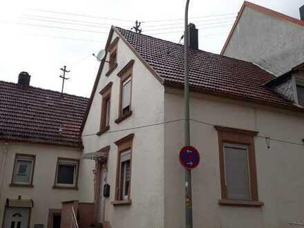 Charmantes 4-Zi.-Reihenhaus mit Kaminofen in Lemberg