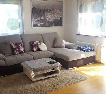 Gepflegte 3,5-Zimmer-Wohnung mit Balkon und EBK in Sachsenheim