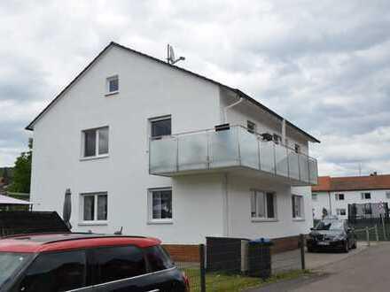 *HTR Immbilien GmbH* Helle 3-Zi.-Whg., 1. Obergeschoss, großer Balkon, 2 Kfz-Stellplätze