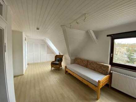Sofort frei Bezahlbares Appartement mit kleiner Küche + Dusch-Bad